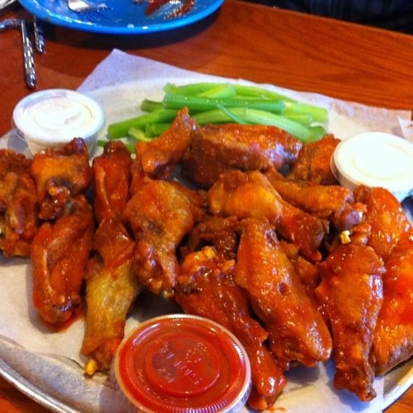 Hot Wings @ Charlie Horse Restaurant