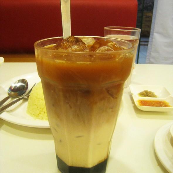 Famous Kuching 3 Layer Tea @ The Chicken Rice Shop