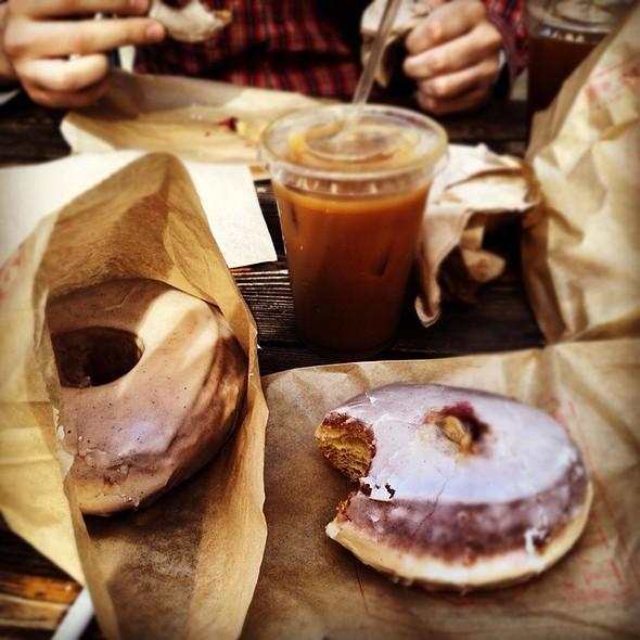 Doughnuts @ Doughnut Vault