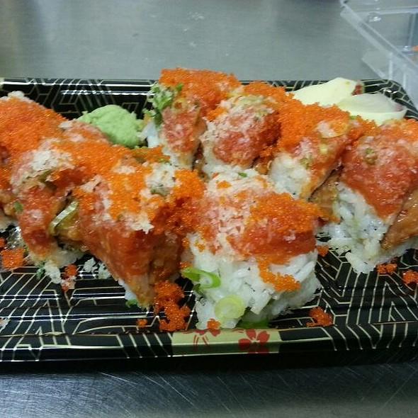 Spicy 2 In 1 Roll @ Toro Sushi
