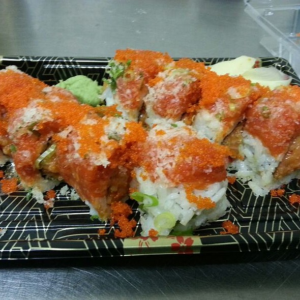 Spicy 2 In 1 Roll @ Toro Sushi