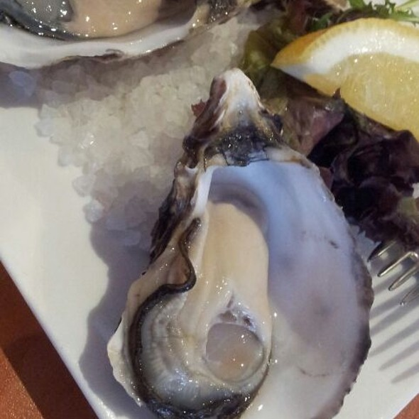 Natural Oysters @ Stonegrill Penrith