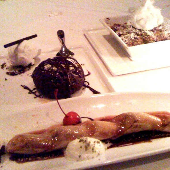 Banana Boat, Molten Chocolate Cake, Mango Crumble @ Oolaa