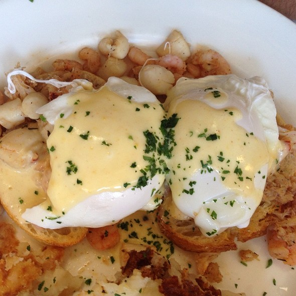 Seafood Eggs Benedict @ Elite Cafe Inc