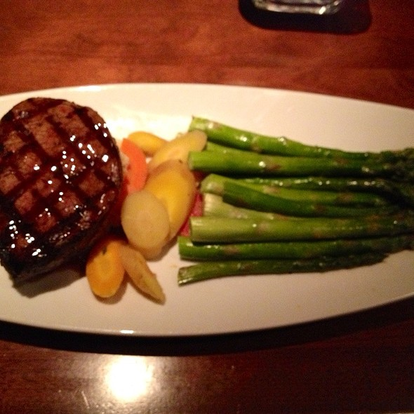 Filet Mignon Rainbow Carrots, Asparagus & Mashed Potatoes @ Seasons 52