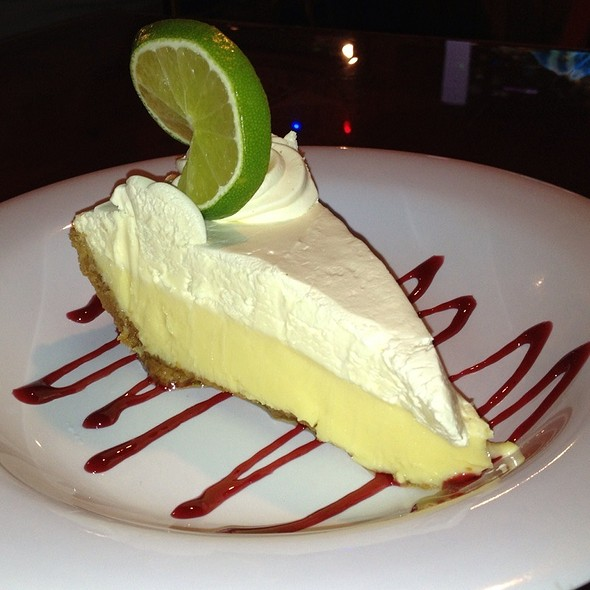 Key Lime Pie @ Hooters