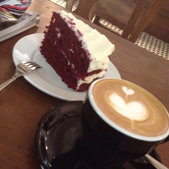 Cappucino + Red Velvet