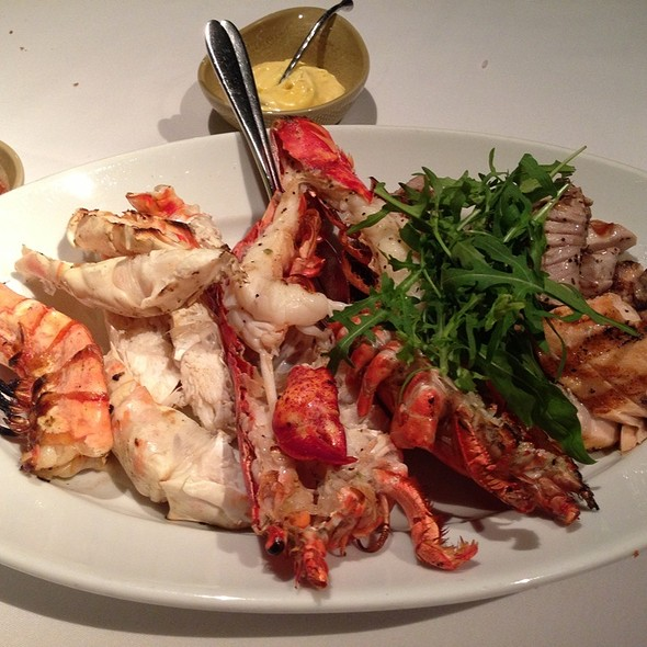 Mixed Grilled Seafood @ Mezza9