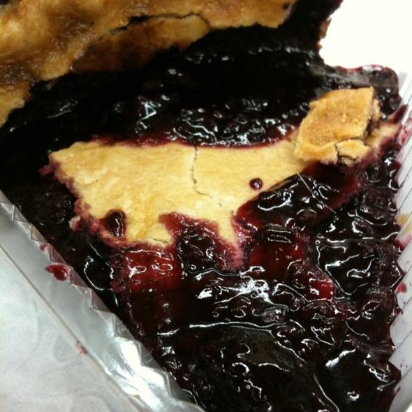 Marionberry Pie @ Ikedas Market