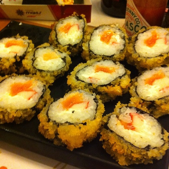 Deep Fried Salmon Roll @ Temakeria Makis Place - Perdizes