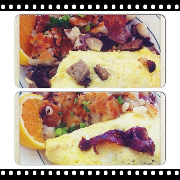Make Your Own Omlettes @ Joy Of Eating Cafe