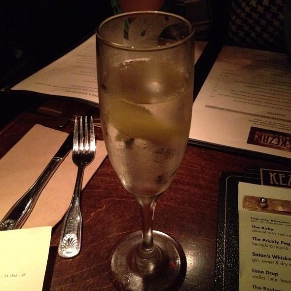 Fog City Blossom @ Kezar Bar & Grill