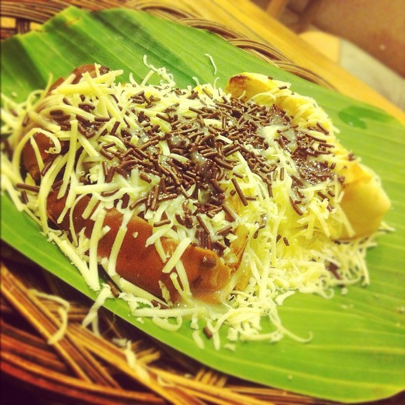 Chocolate, Cheese and Condensed Milk Bread Toast (Roti Bakar)
