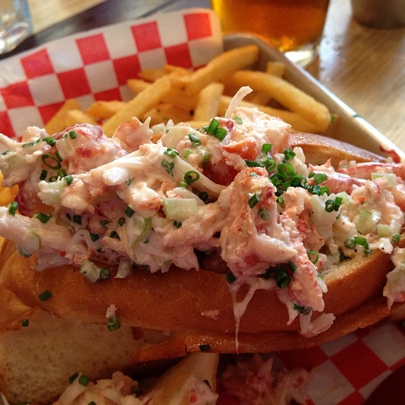 lobster roll @ Woodhouse Fish Co.