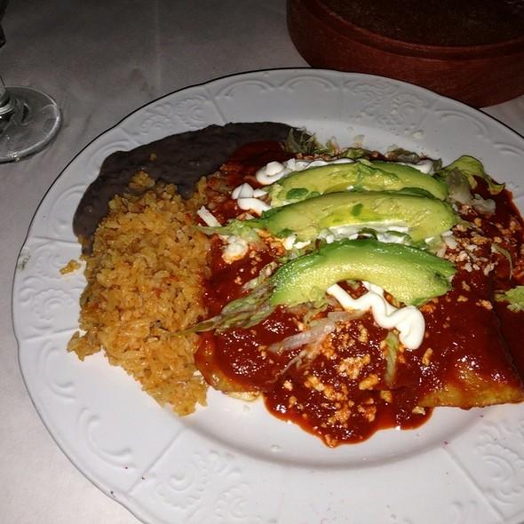 enchiladas @ El Barzon