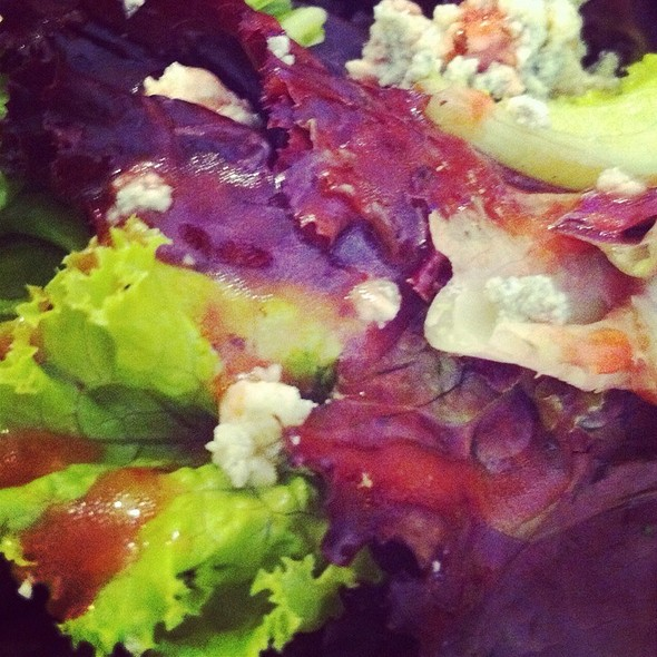 House Salad With Bleu Cheee @ Apartment 1B