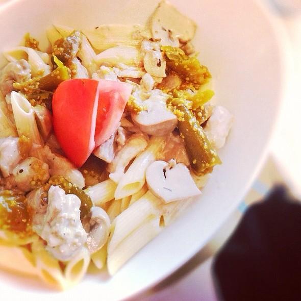 Spicy Chicken & Mashroom Pasta @ Dome Cafe