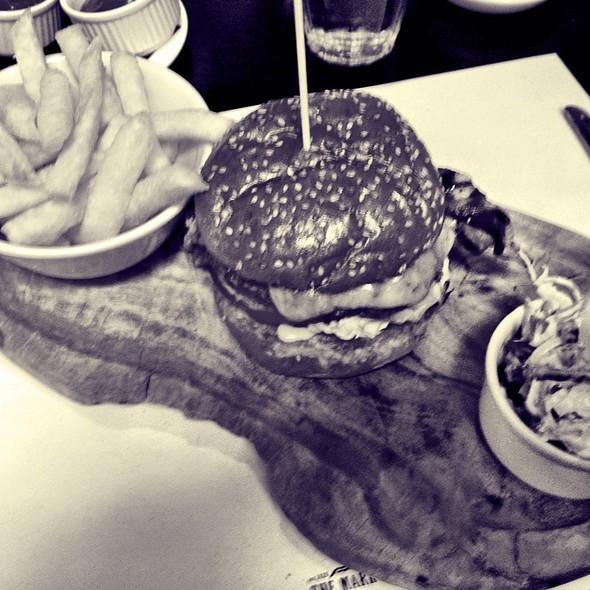 Cheeseburger @ The Markham Inn