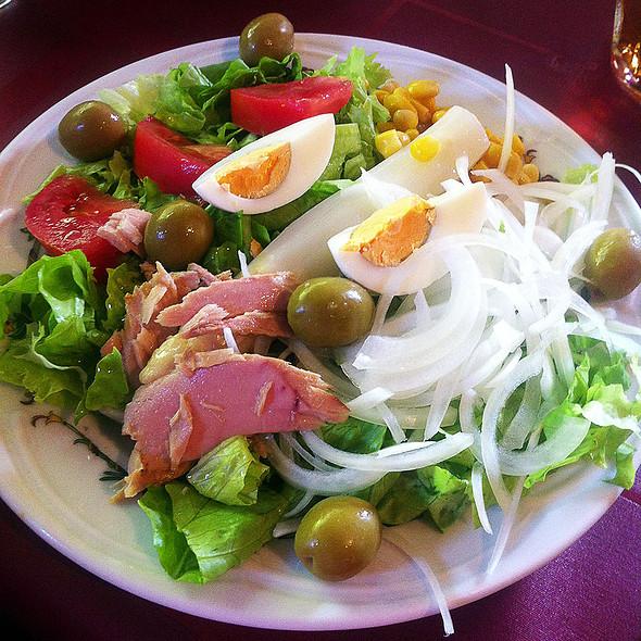 garden salad @ Asador Mendipe Jatexea