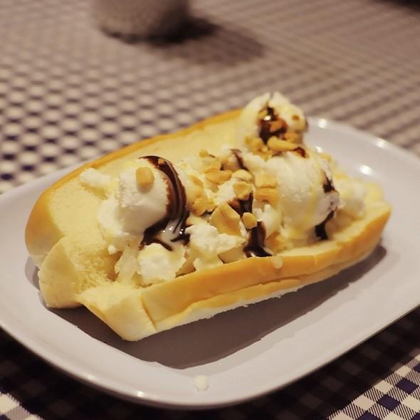 Coconut Ice Cream Sandwich @ Pok Pok NY