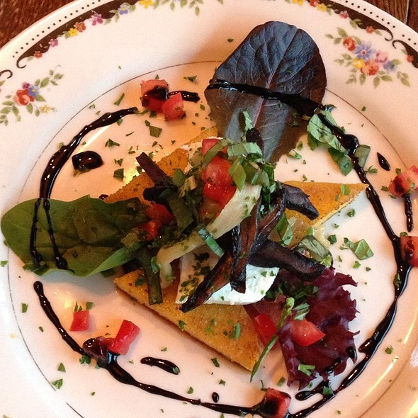 Griddled Polenta With Goat Cheese And Baby Portobellos @ Lampliter Gallery Cafe