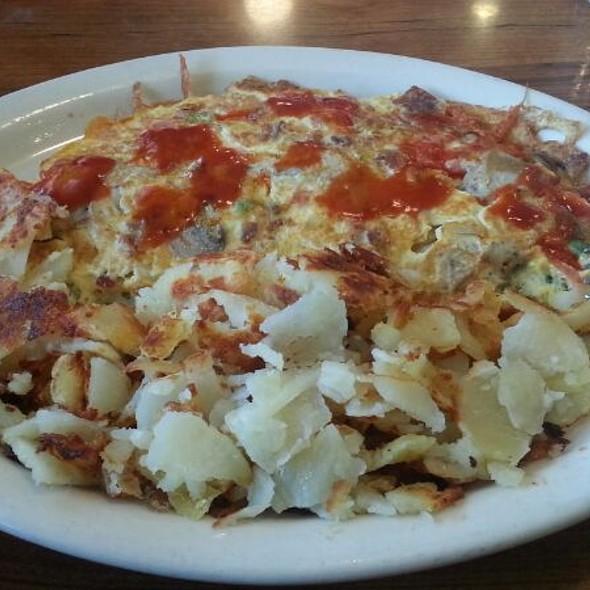 Veggie Omelette with Bacon - Al's Italian Restaurant & Pizzeria, Cicero, IL