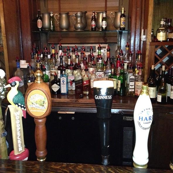 Harps - Hunter's Head Tavern, Upperville, VA