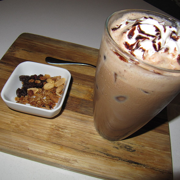 Pinoy Chocnut Coffee @ Slice Cafe