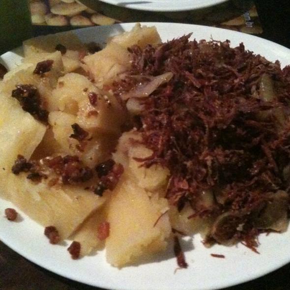 Carne Seca e Mandioca @ Bardo Batata