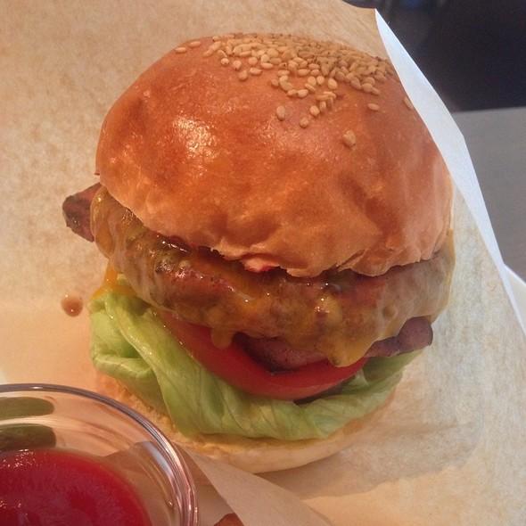Adenia Burger @ Adenia