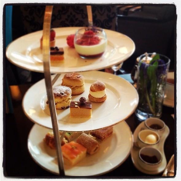 Afternoon Tea Set @ Four Seasons Hotel Bangkok
