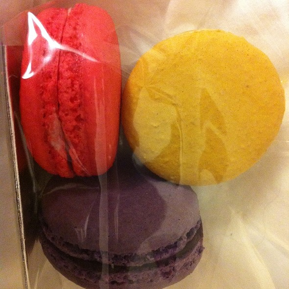 Assorted Macarons @ Tout Sweet Patisserie