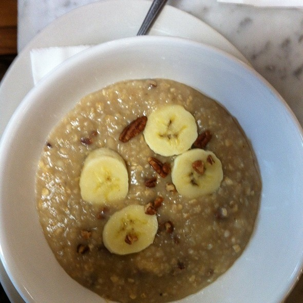 Oatmeal With Pecans & Brown Sugar @ Winslows Home