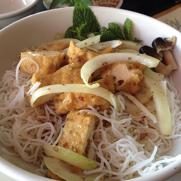 Lemongrass tofu on vermicelli. @ Pho Boston