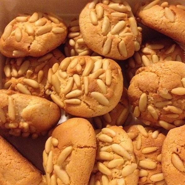 Pignoli Cookies @ Veniero's Pasticceria & Caffe