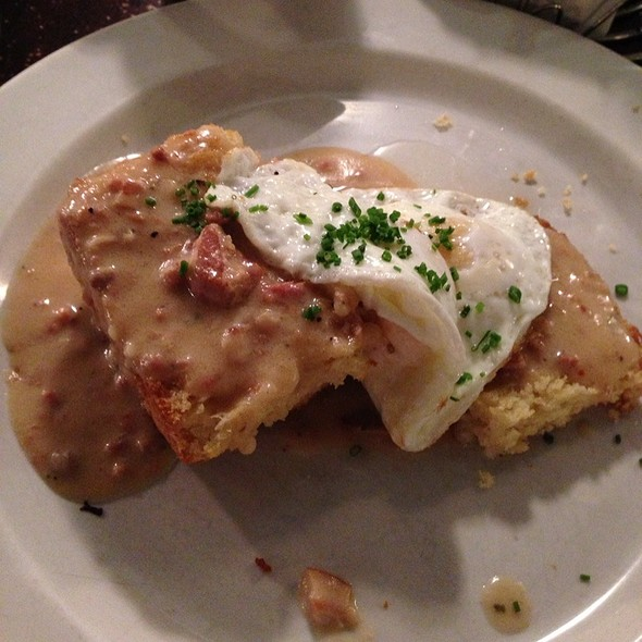 Biscuits and Gravy @ Tremont 647