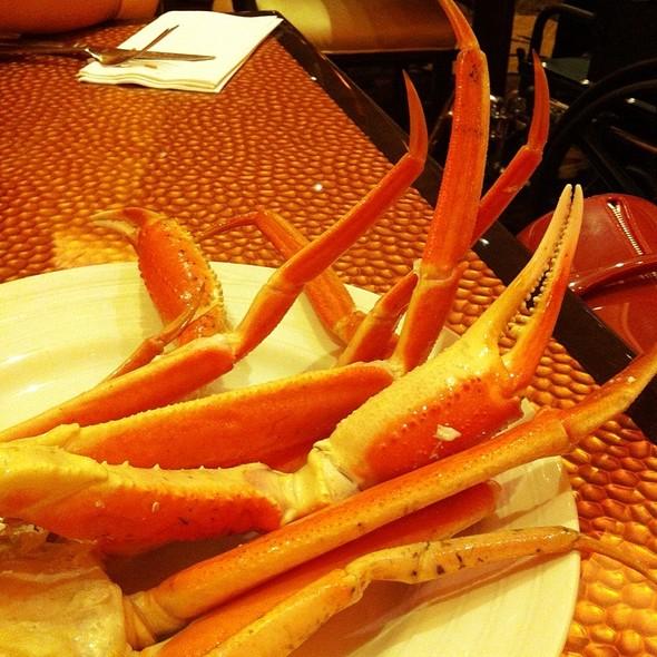 Sexy Legs I Mean Crabs  @ Buffet At Harrah's Rincon