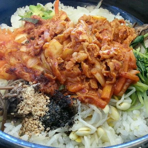 Pork Kimchi 비빔밥 @ 본 비빔밥