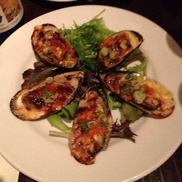 Grilled Green-lipped Mussels