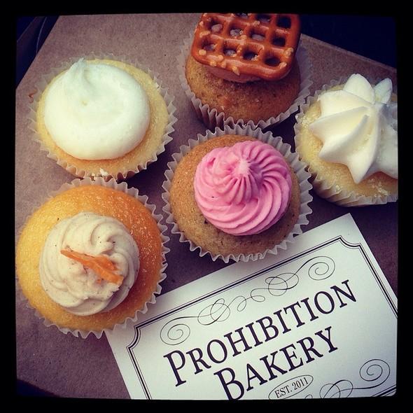 Boozy Cupcakes @ Prohibition Bakery