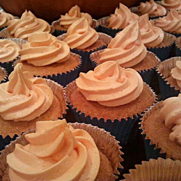 Vanilla Cupcakes @ Home