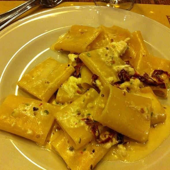 Paccheti Ricotta Pistacchi E Pomodori Secchi  @ Taverna Rossini