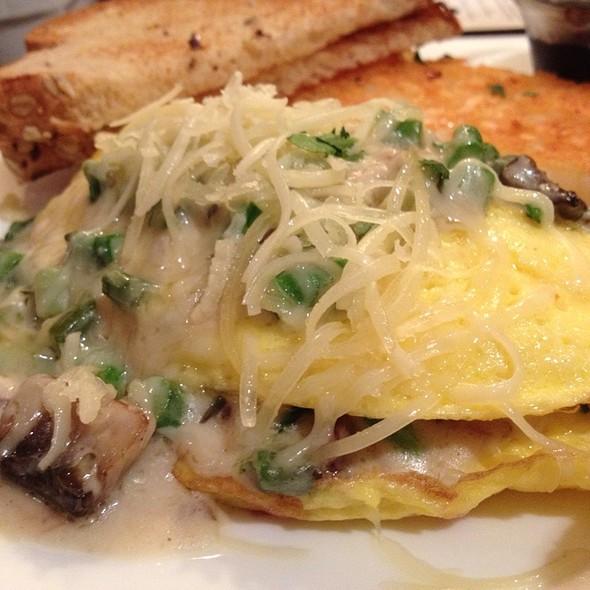 Northwoods Omelet - M ST. Cafe, Saint Paul, MN