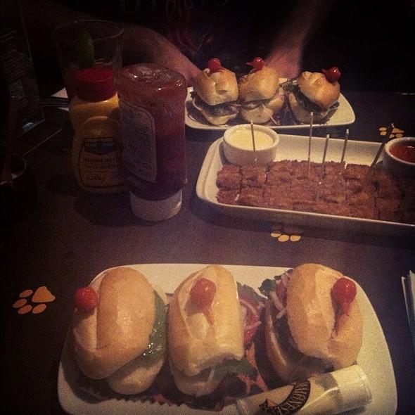Mini-Sanduíche De Sardinha @ Bar da Dona Onça Ltda-ME