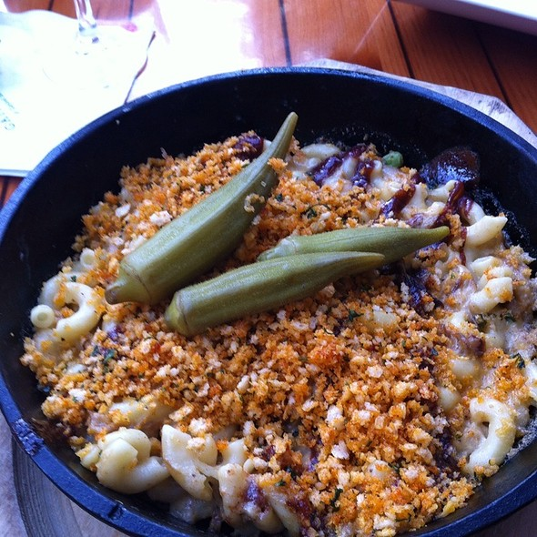 Pulled Pork Mac and Cheese @ Cascades Restaurant Opryland Hotel