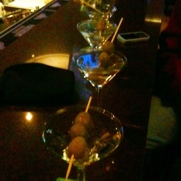 Dirty Grey Goose Martini @ 86 West Restaurant & Bar