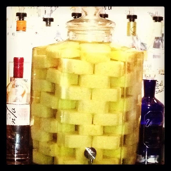 Pineapple Infused Vodka (Stoli Doli) | 2 Peas in a Blog