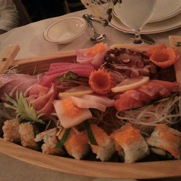 Sushi @ Thai Thai House