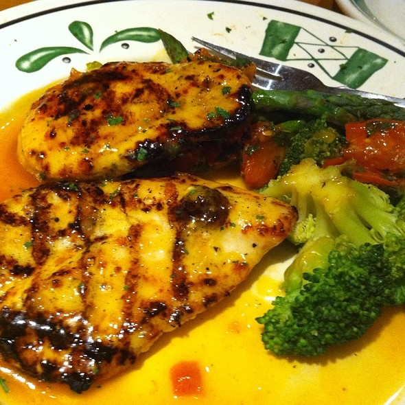 Grilled Chicken Breast With Apricot Brandy Chutney At Olive Garden