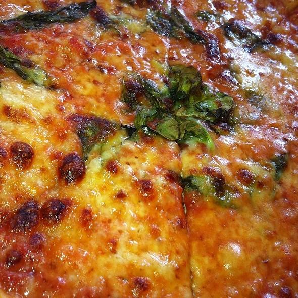 Fontinella Pizza